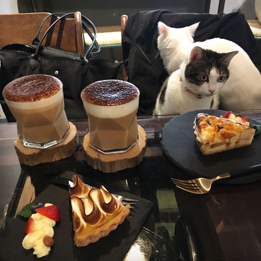 Ngchus Cafe Cake desserts