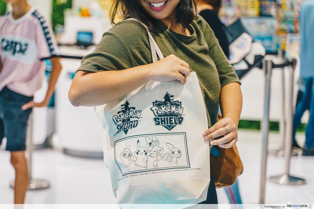 jewel changi pokemon center tote bag