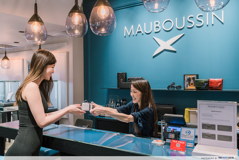 mauboussin sale - buying jewellery box from cashier