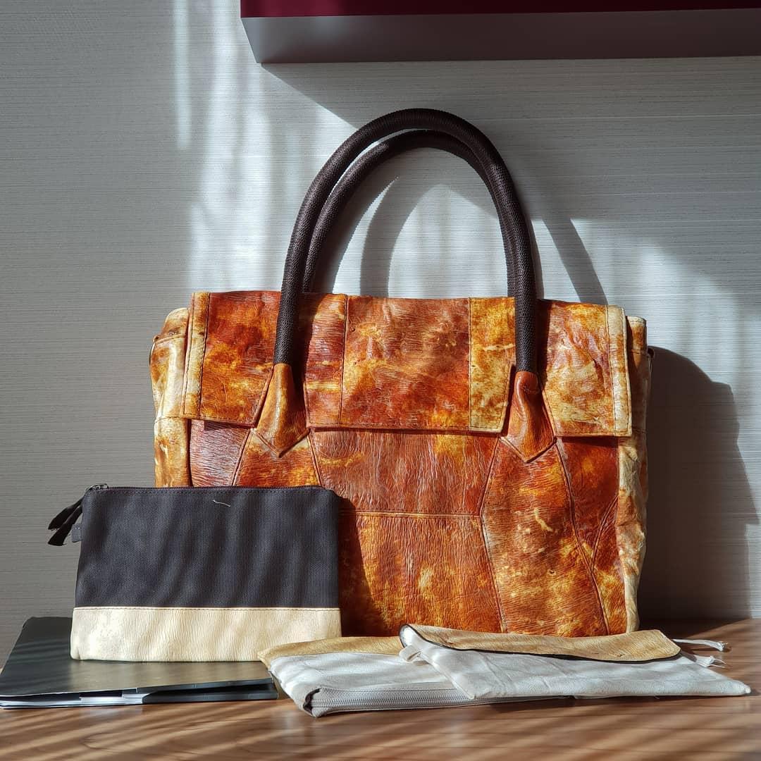 mini extraoddinary chinatown leather