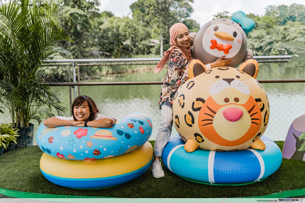 river safari disney tsum tsum - tigger tsum inflatable