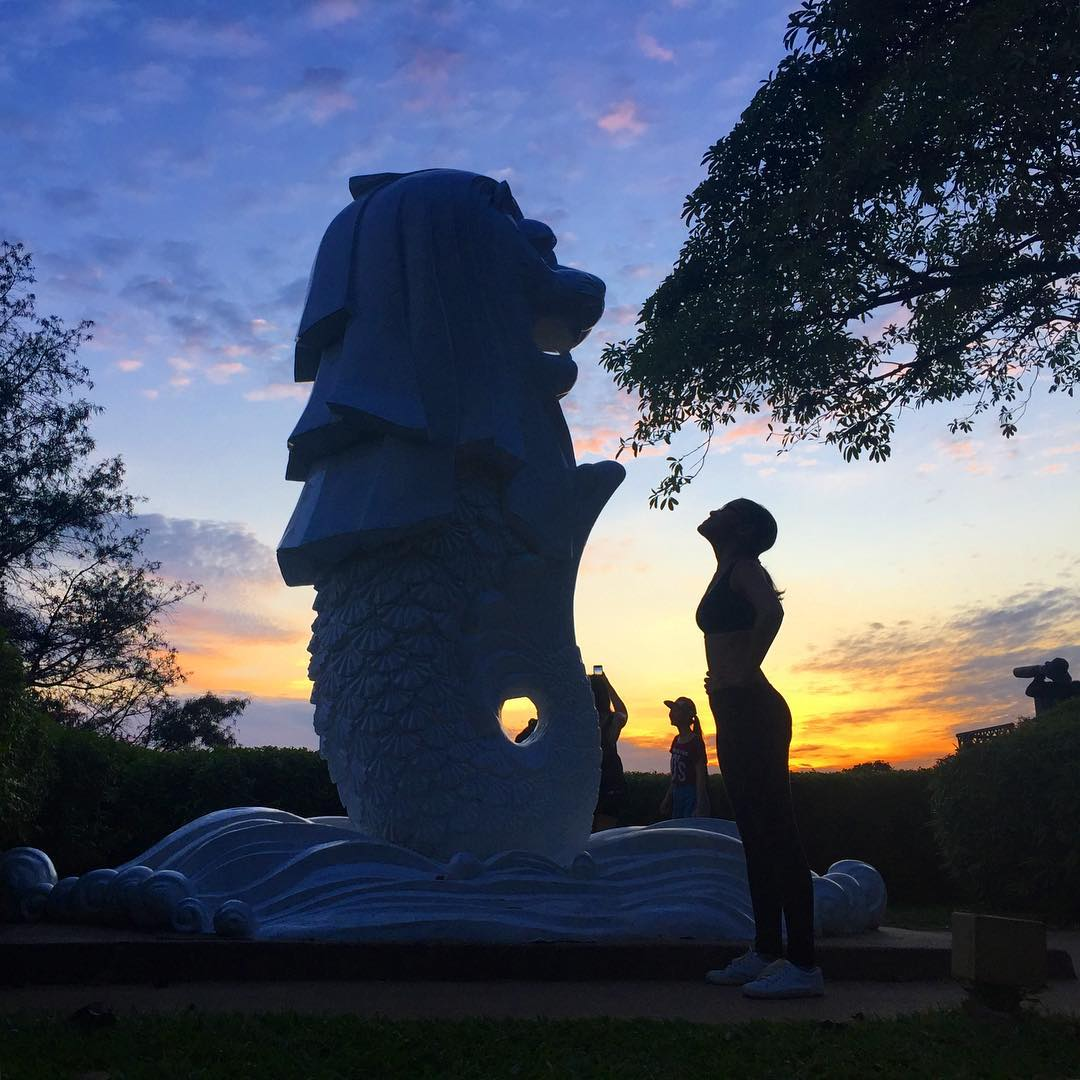 sunrise and sunset in singapore - baby merlion at mount faber park