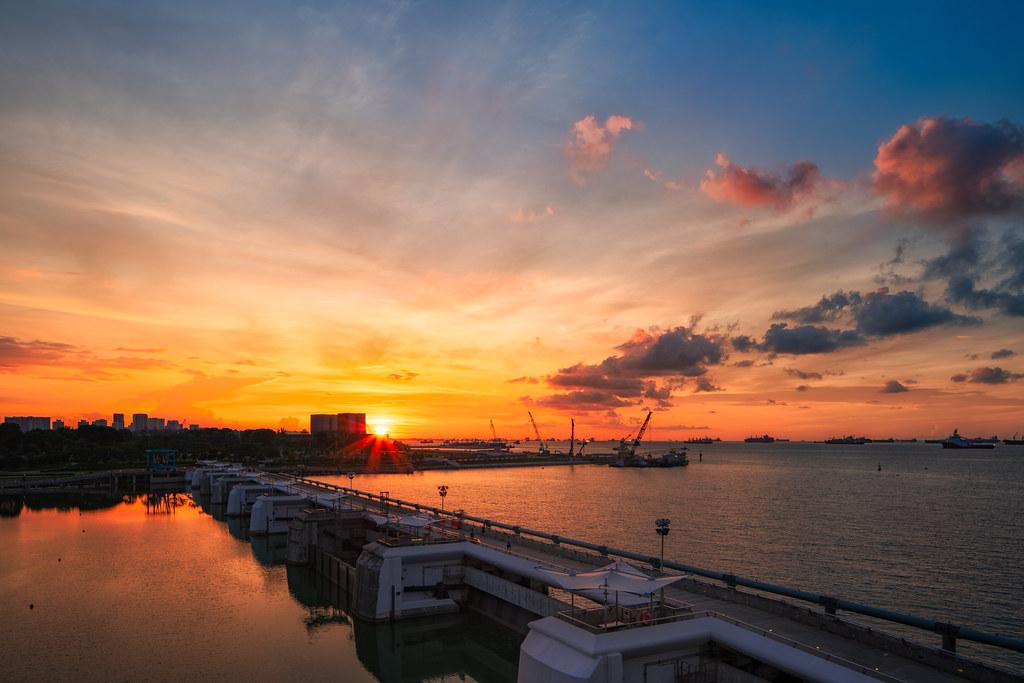 sunrise and sunset in singapore - marina barrage