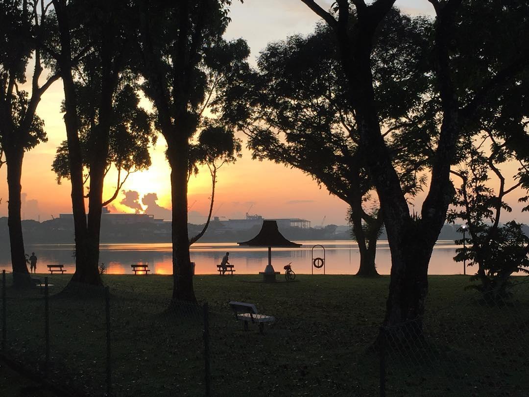 sunrise and sunset in singapore - kranji reservoir park