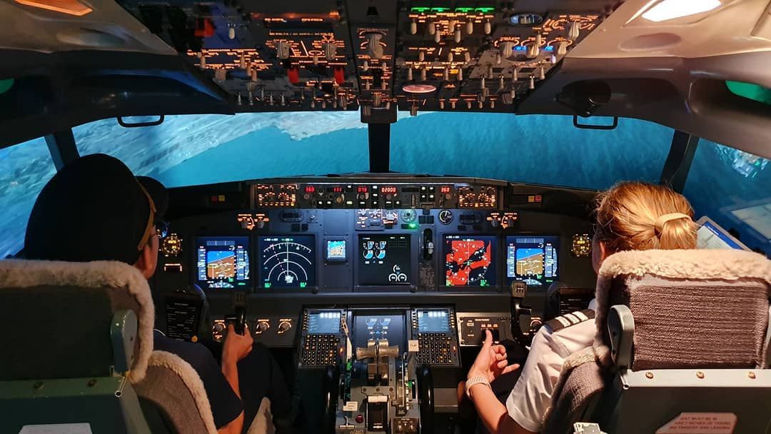 101 things to do in Singapore Boeing 737 Flight Experience