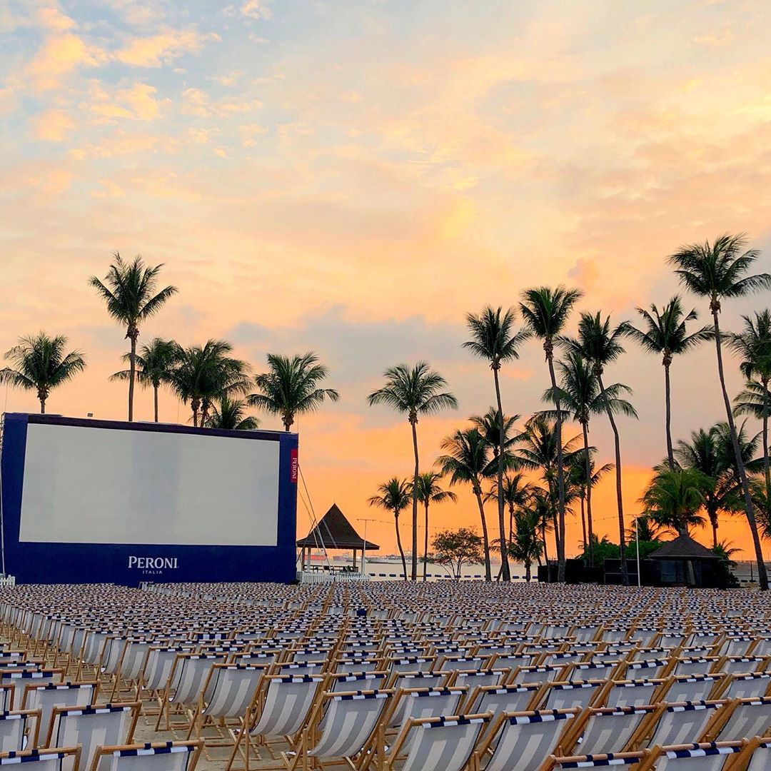 101 things to do in Singapore outdoor cinema