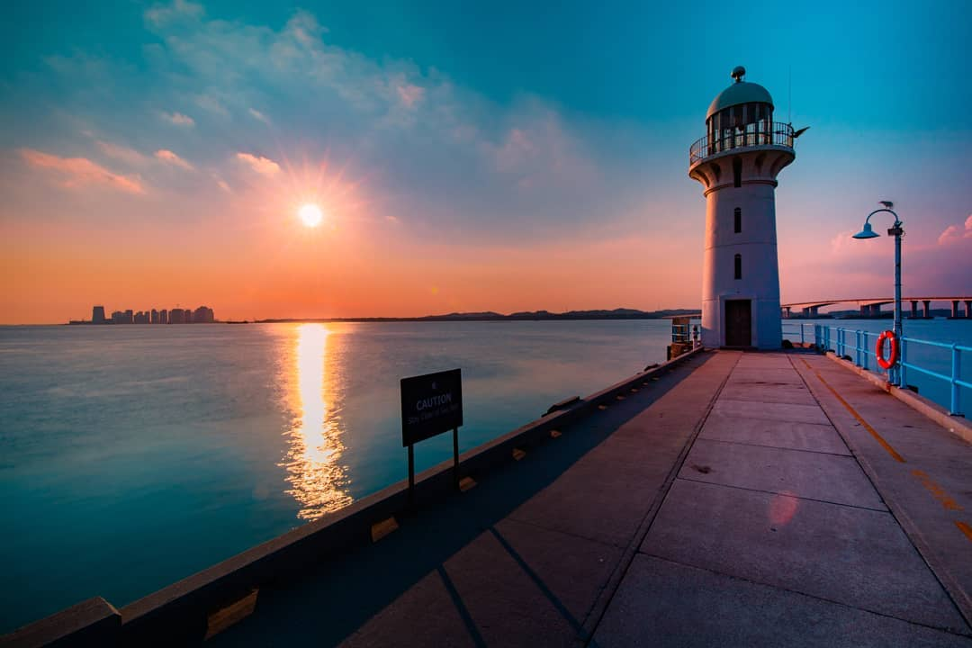 101 things to do in Singapore lighthouse