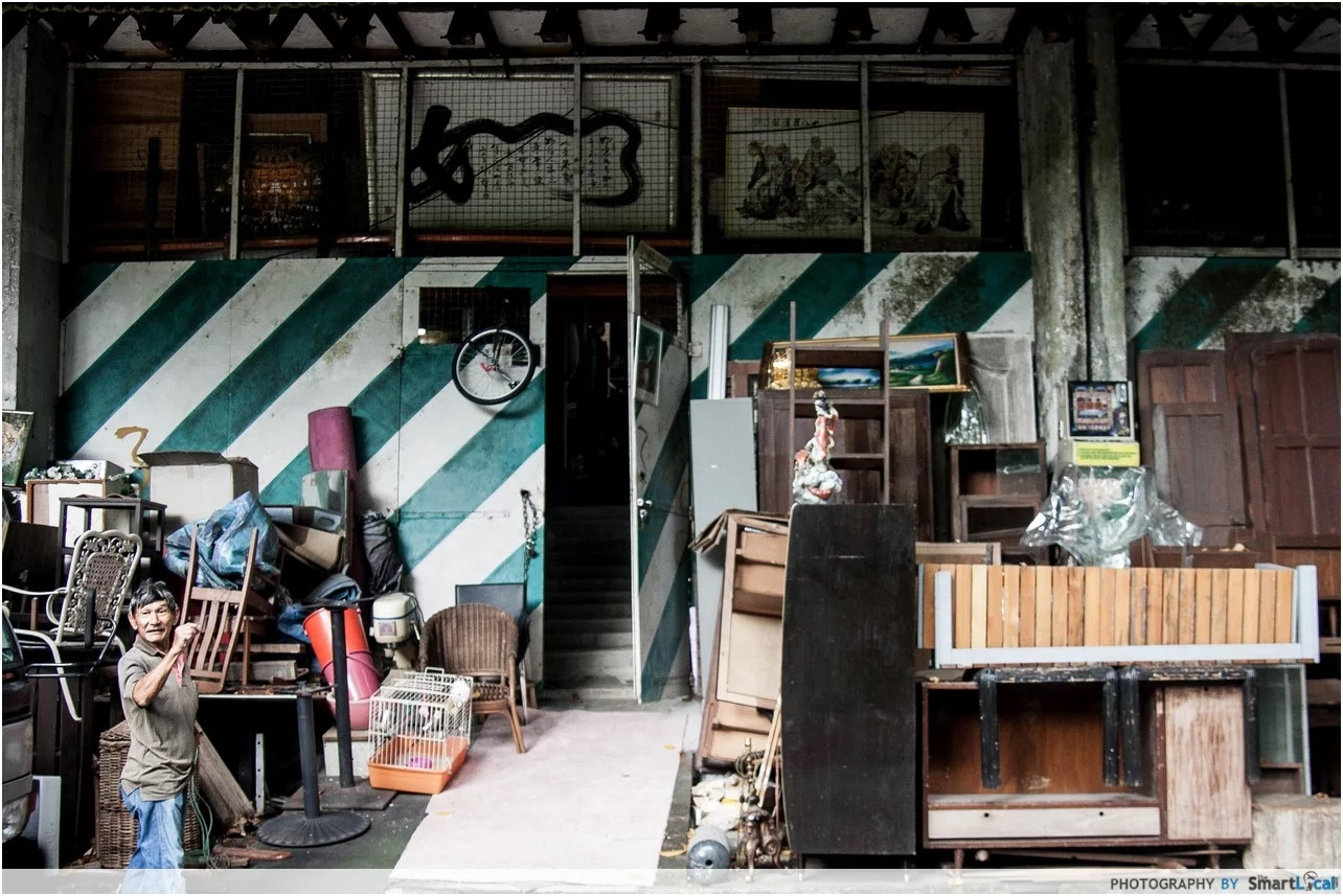 101 things to do in Singapore Turf Club Antique Row