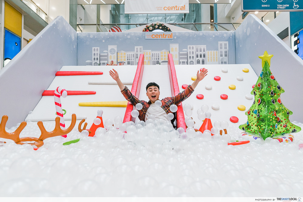 Clarke Quay Central Christmas Ball Pit