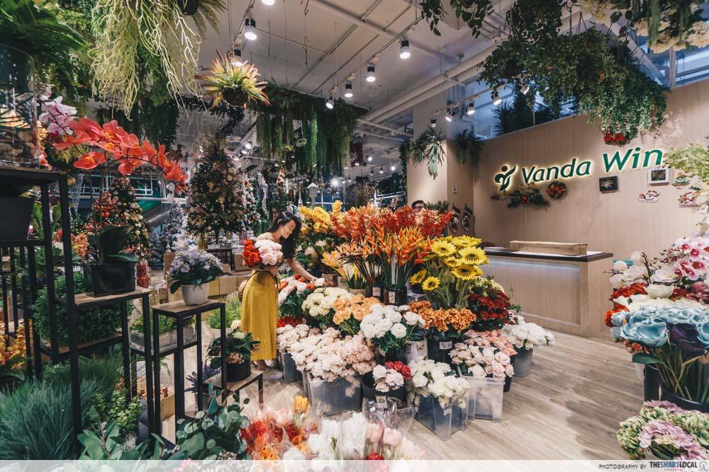 KINEX Mall Vanda Win Faux Flowers