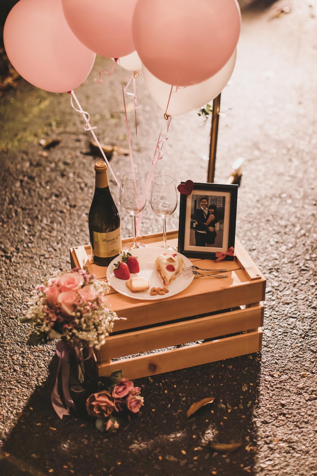 Pre-wedding photoshoot props