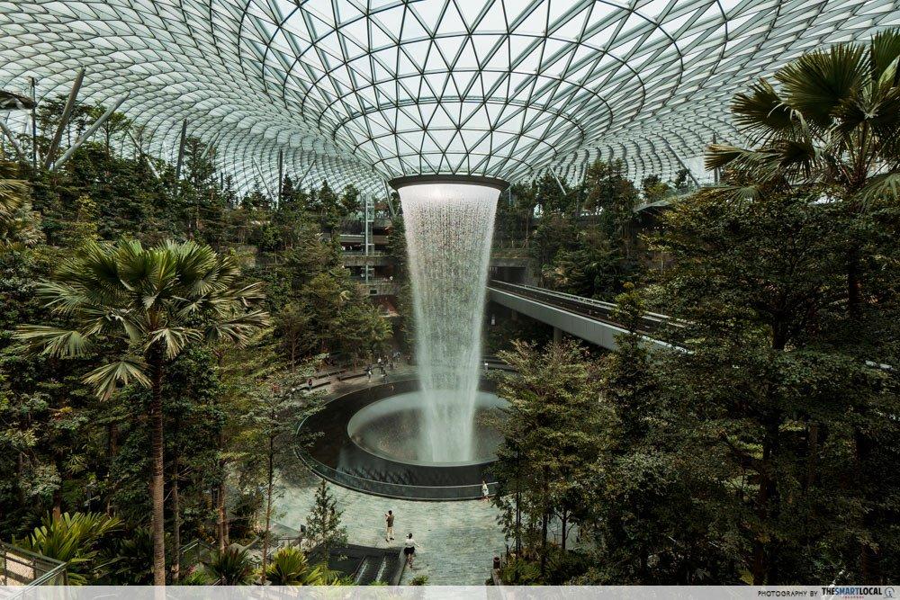 feng shui in singapore architecture - jewel changi rain vortex