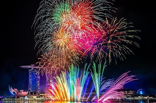 fireworks seen from merlion park singapore
