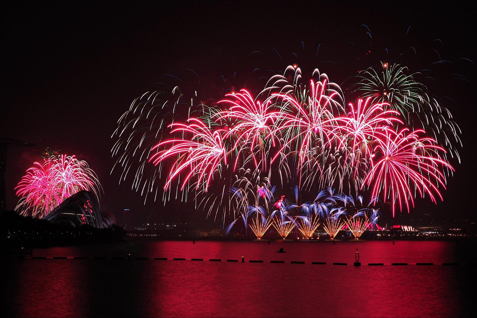 Eve Fireworks In Singapore