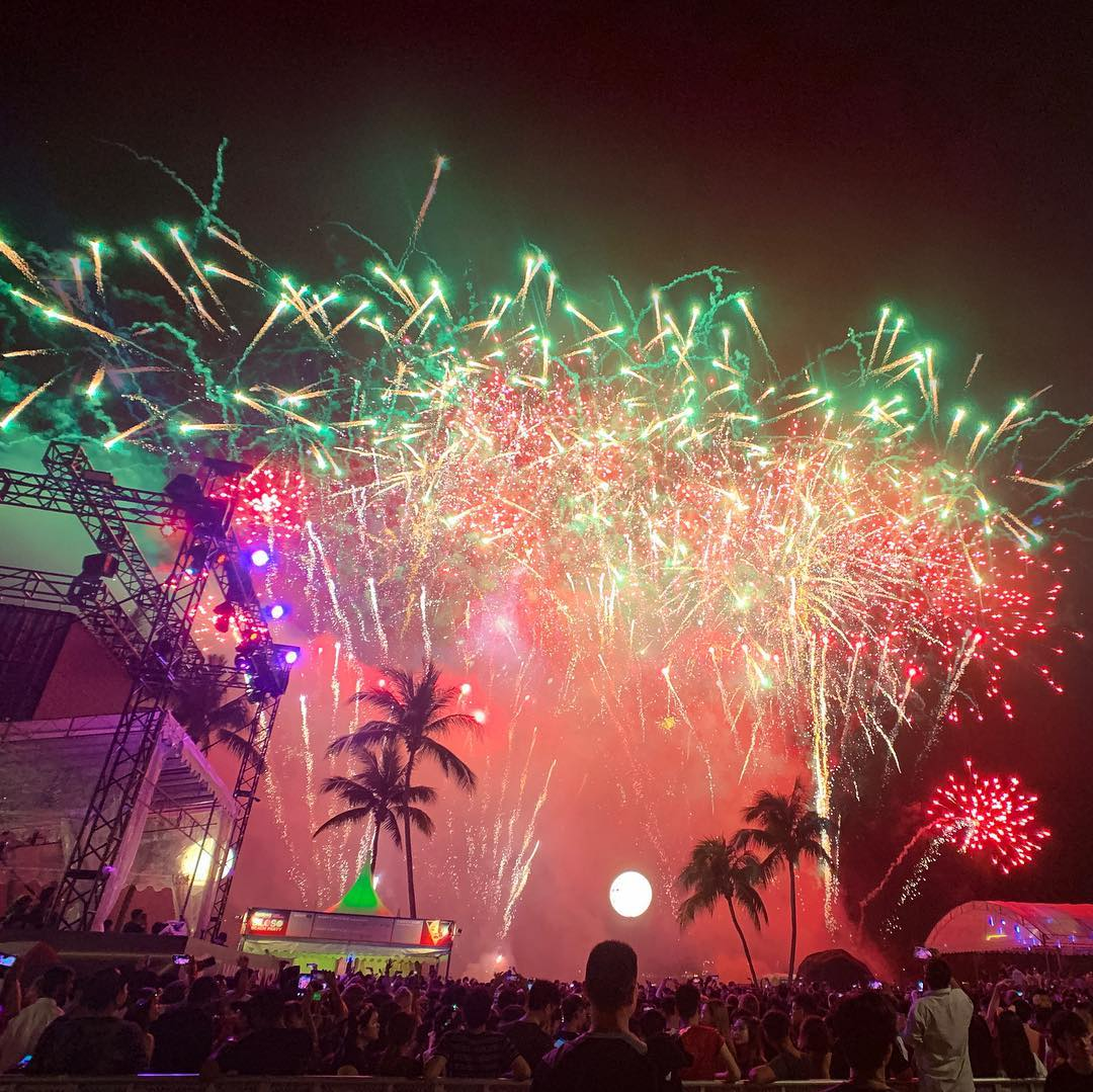siloso beach fireworks