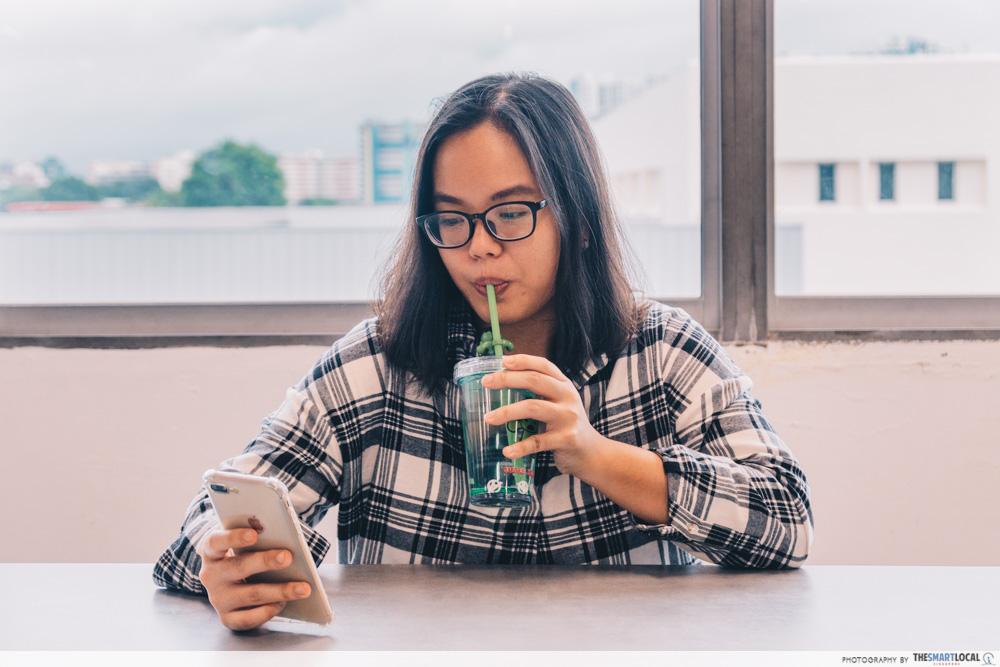tricks drink water straw