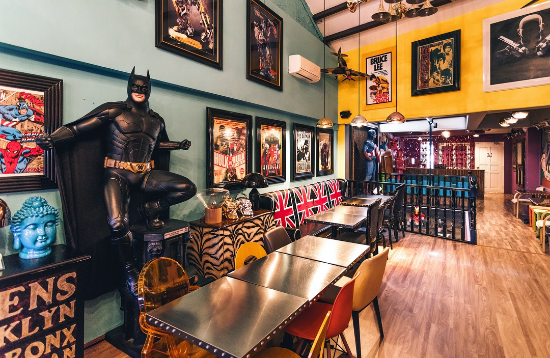 101 things to do in Singapore character cafes