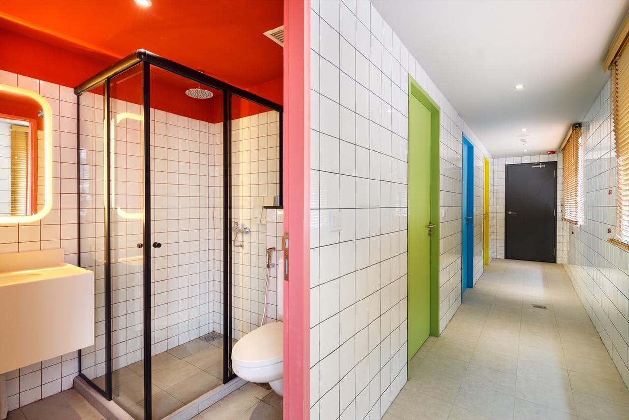 Circular House Singapore Shared Bathrooms
