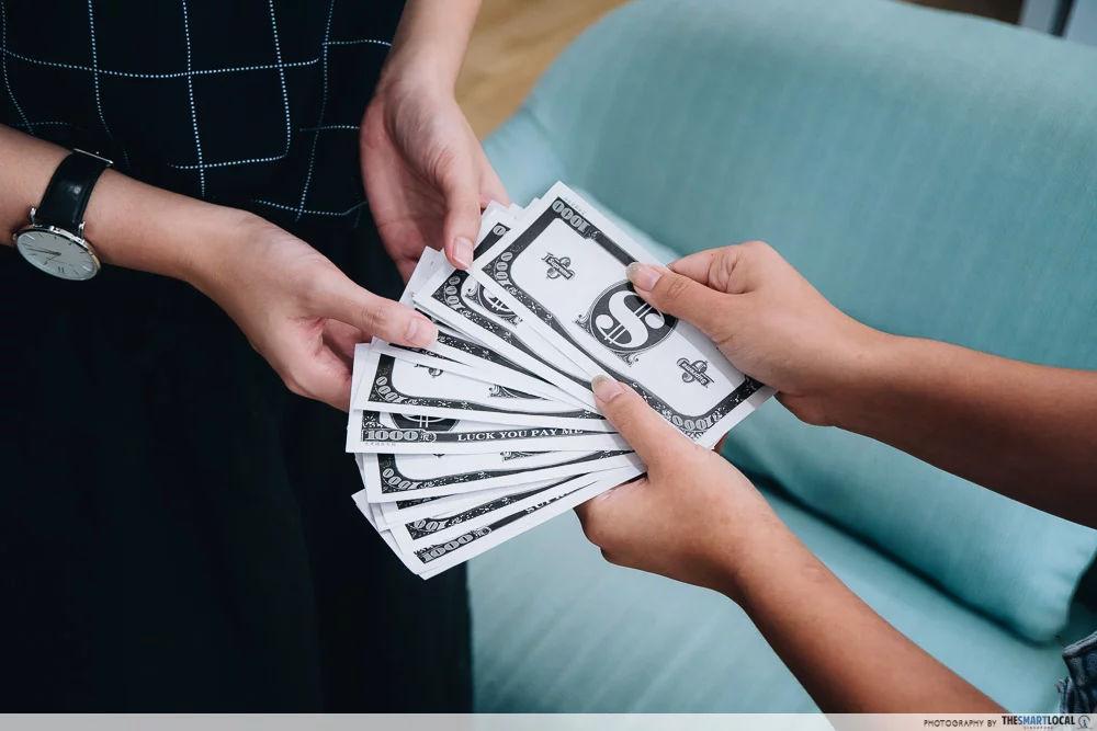 Foreign Exchange Dealer