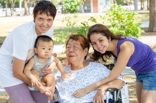 taking care of dementia patients