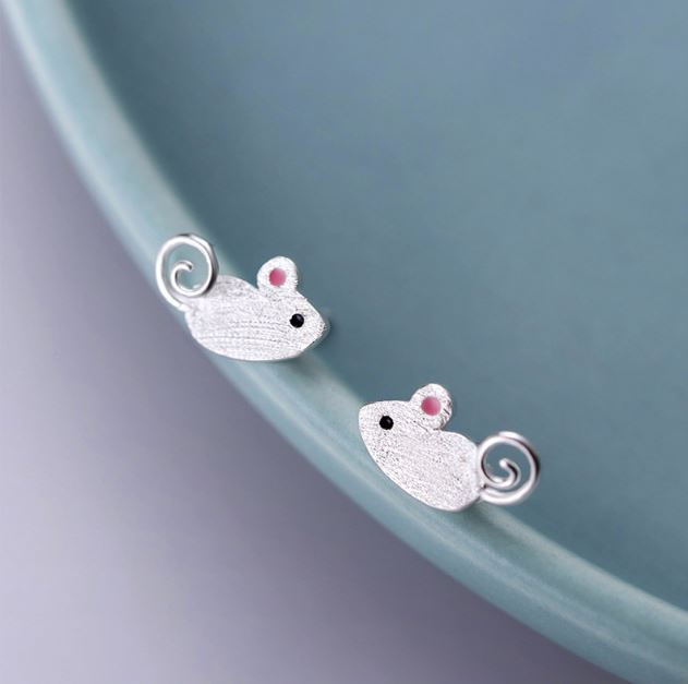 Mouse ear studs Taobao