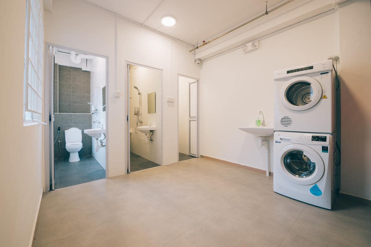 Wanderloft Capsule Hostel Singapore Shared Bathroom and Laundry Facilities