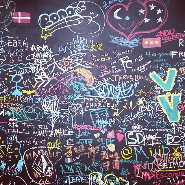 singapore art week 2020 - aliwal urban art festival graffiti doodle