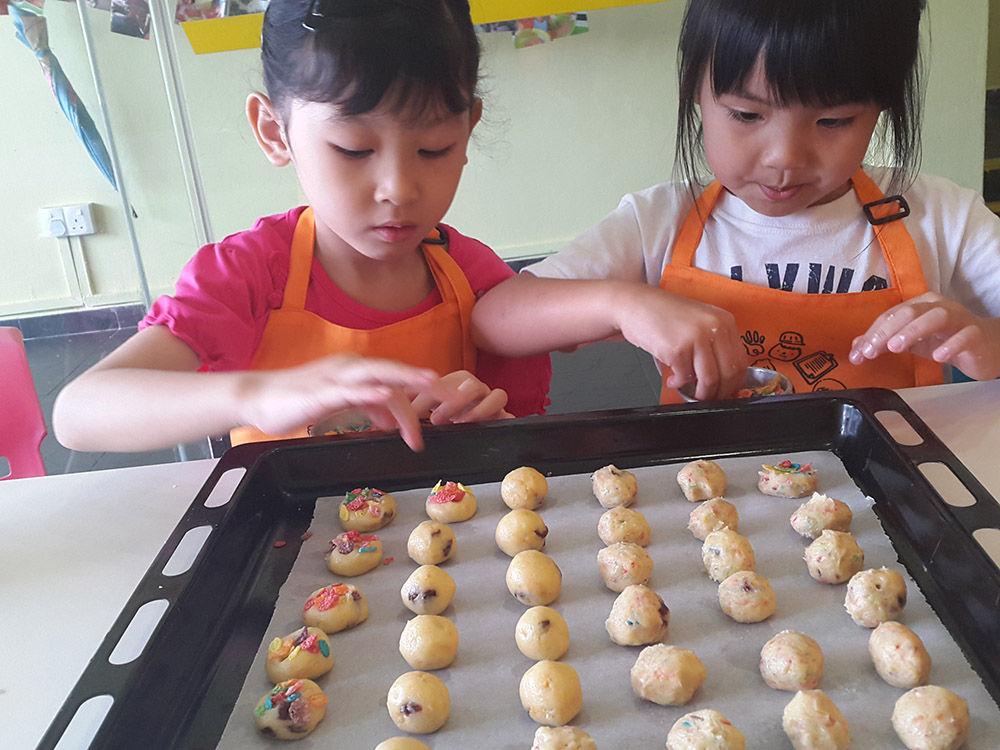 Little Things kids' baking classes