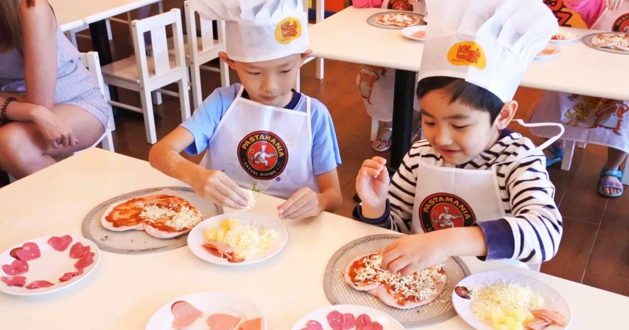 Doughworkz by Pastamania kids' baking classes
