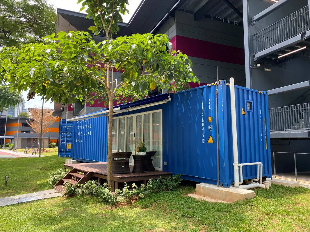 container shipping hotel