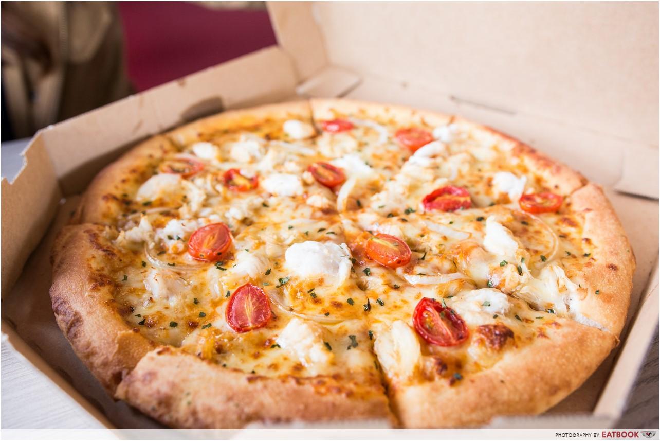 domino's chilli crab pizza