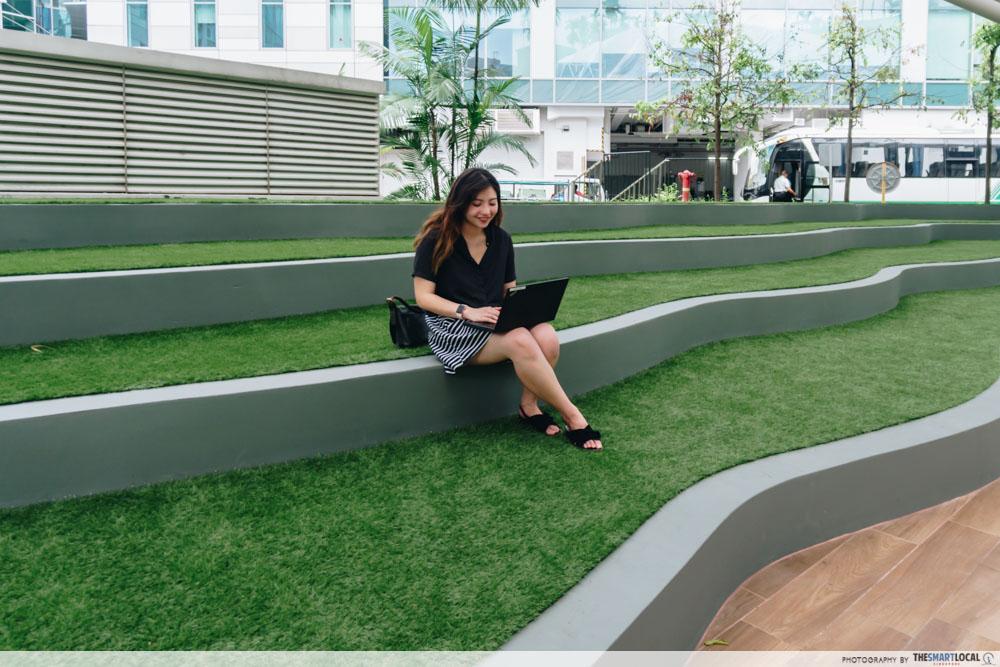 Plaza 8 - amphitheatre
