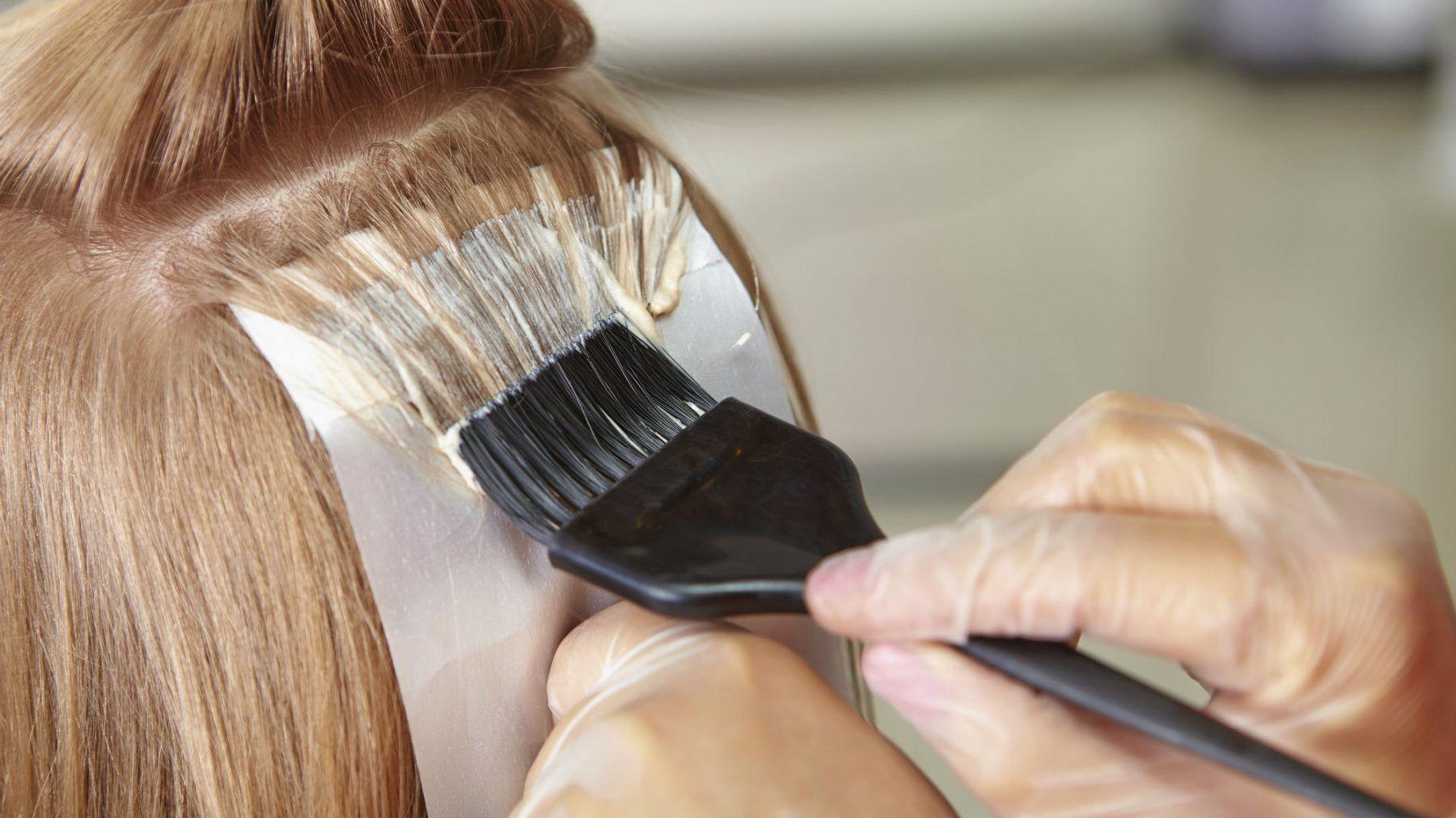 Use foil DIY hair dye