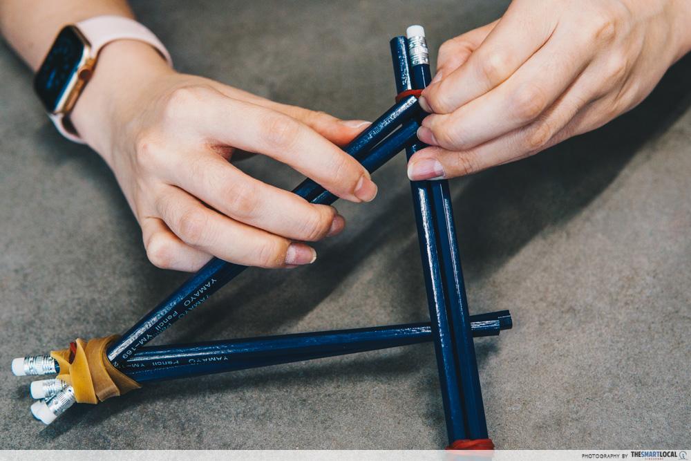 Makeshift tripod - pencils