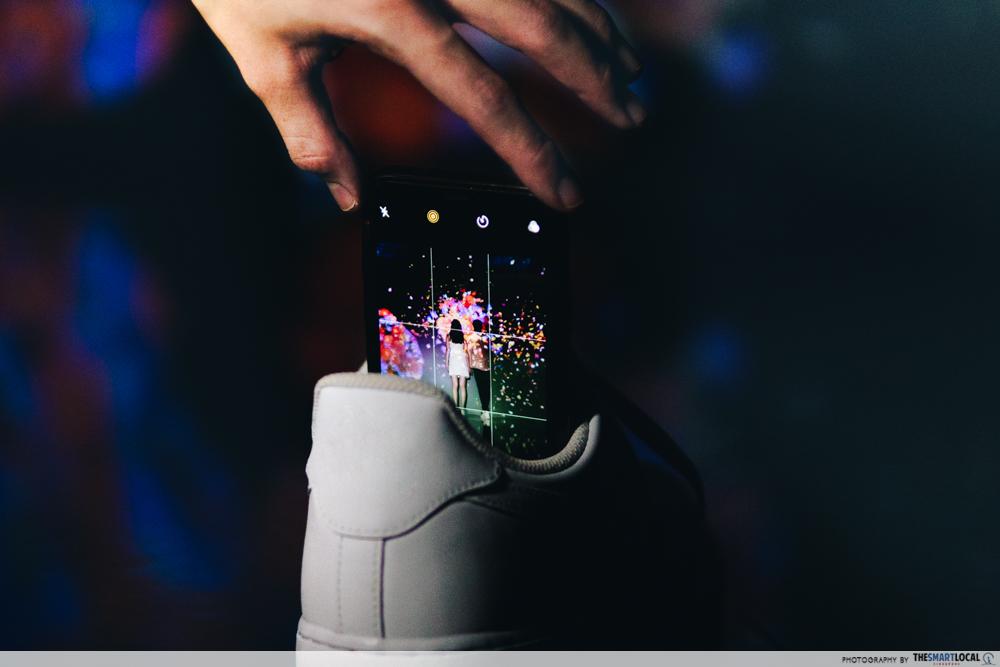 Makeshift phone tripod - shoe