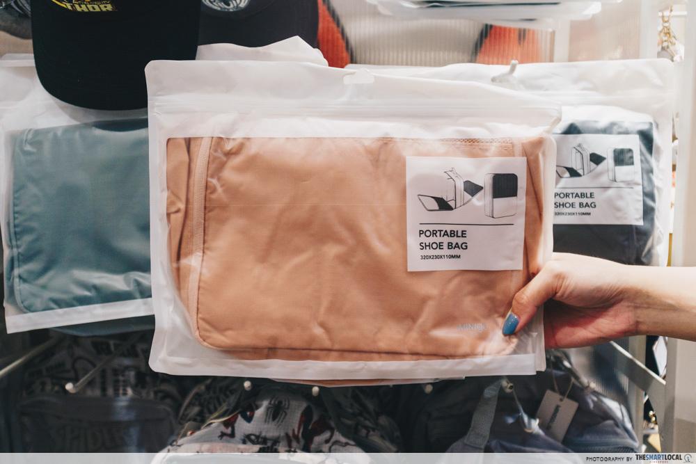 Portable shoe bag