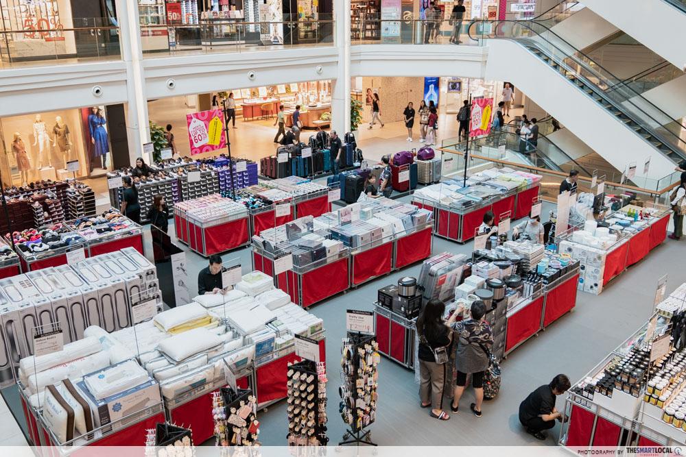 Robinsons Atrium Sale Plaza Singapura March 2020