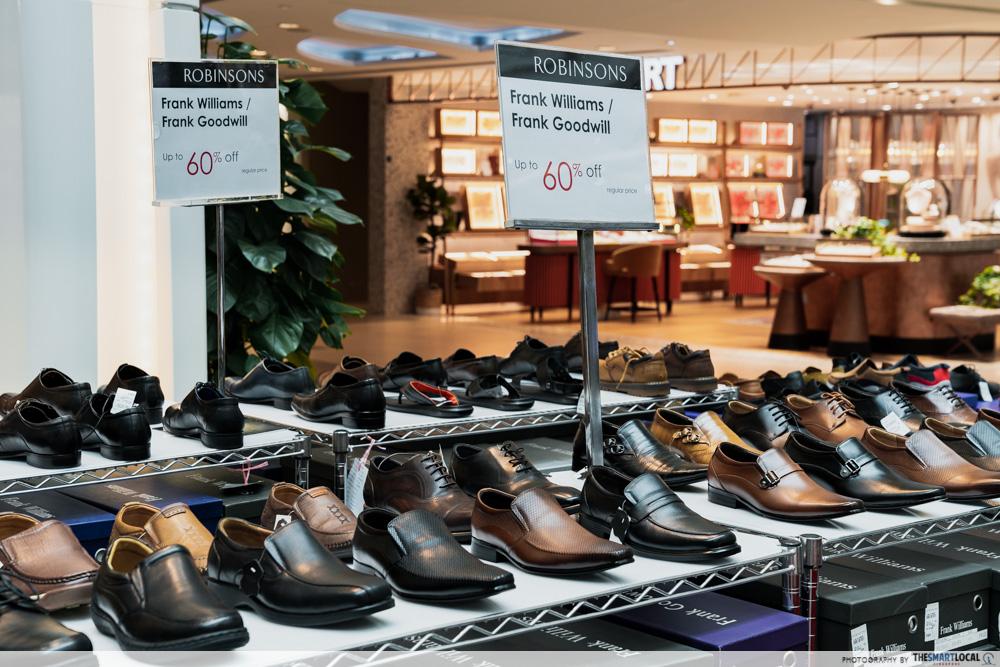 Robinsons Atrium Sale Plaza Singapura 2020 Mens Shoes