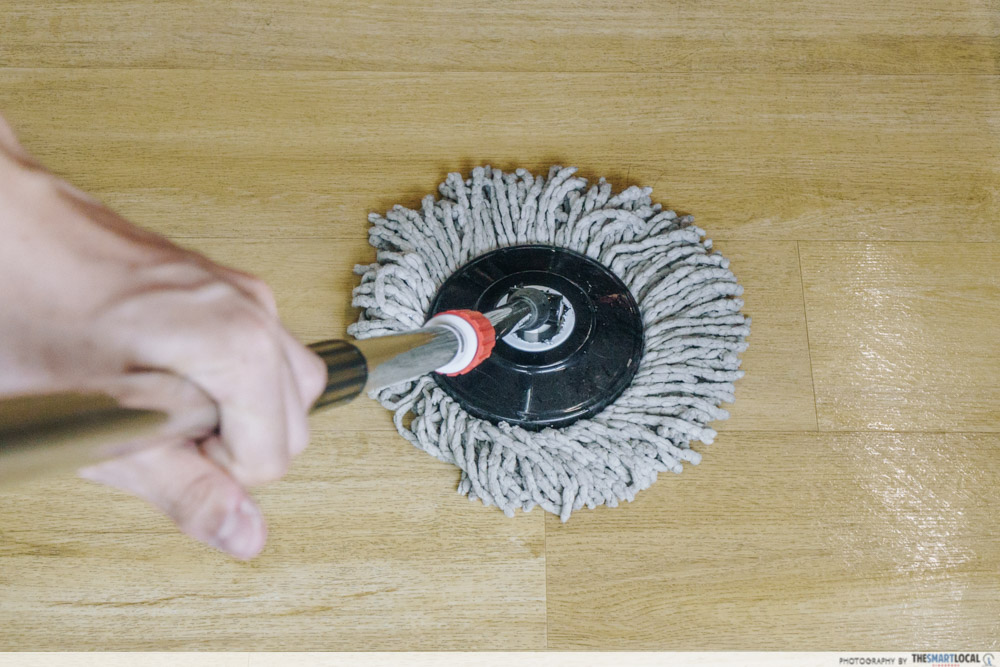 mop - Bacteria on household items