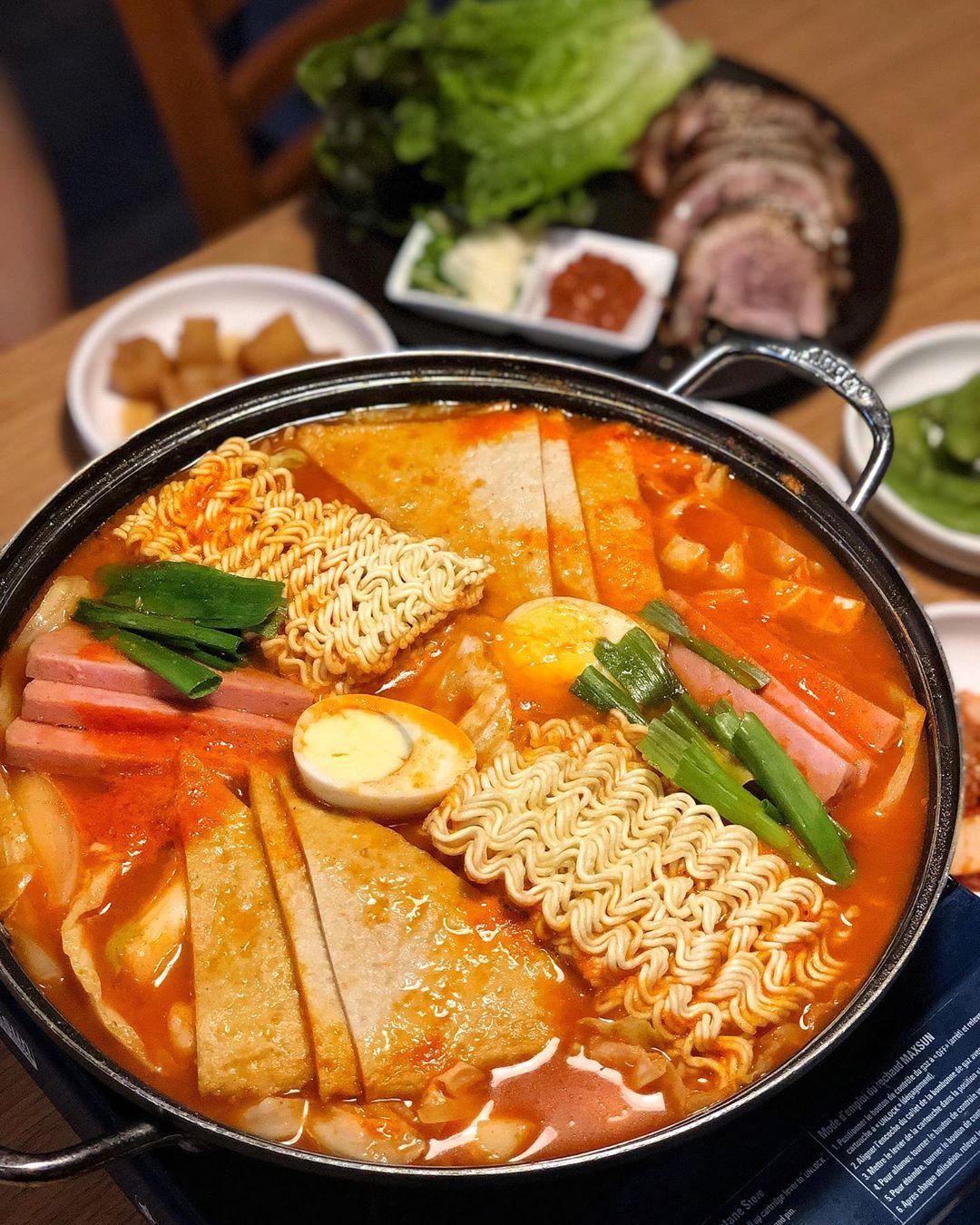 Budaejjigae (army stew)