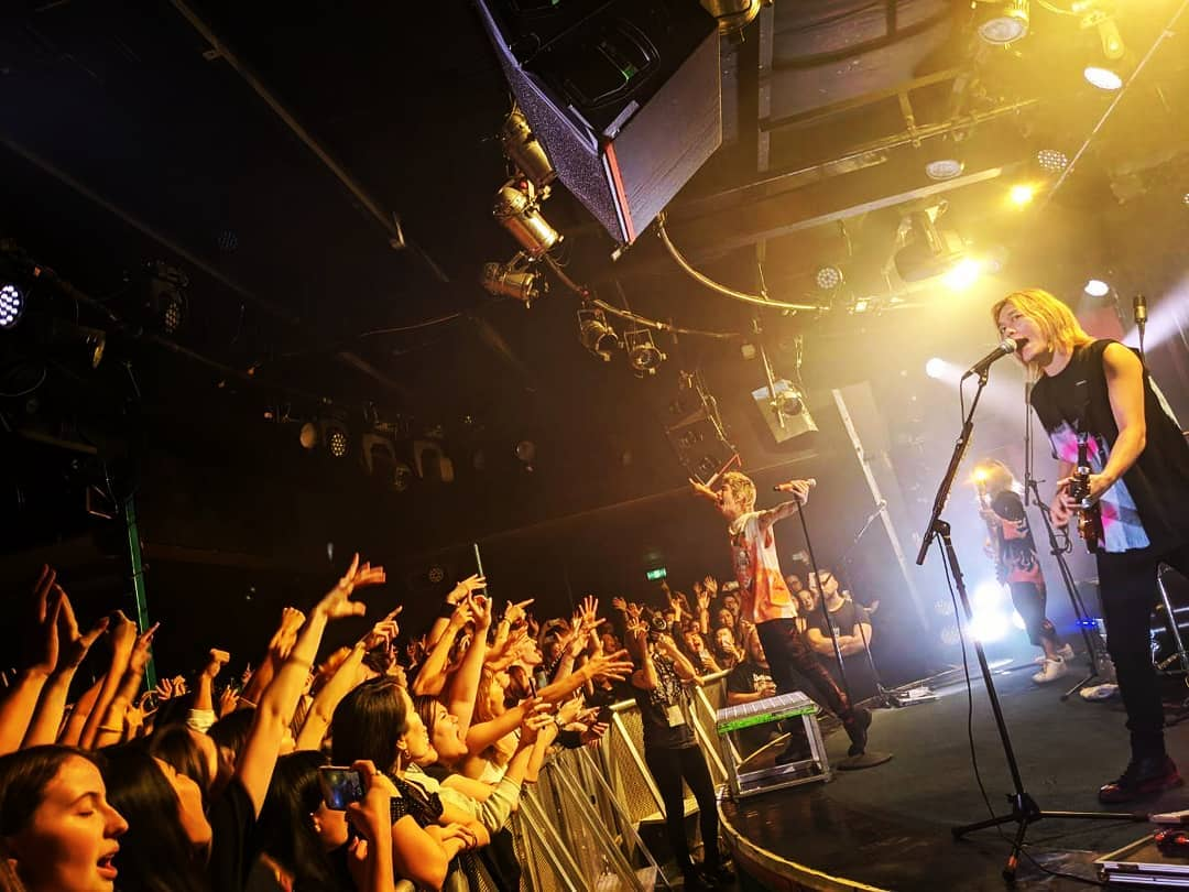 ONE OK ROCK will be livestreaming its past concerts and performances online.