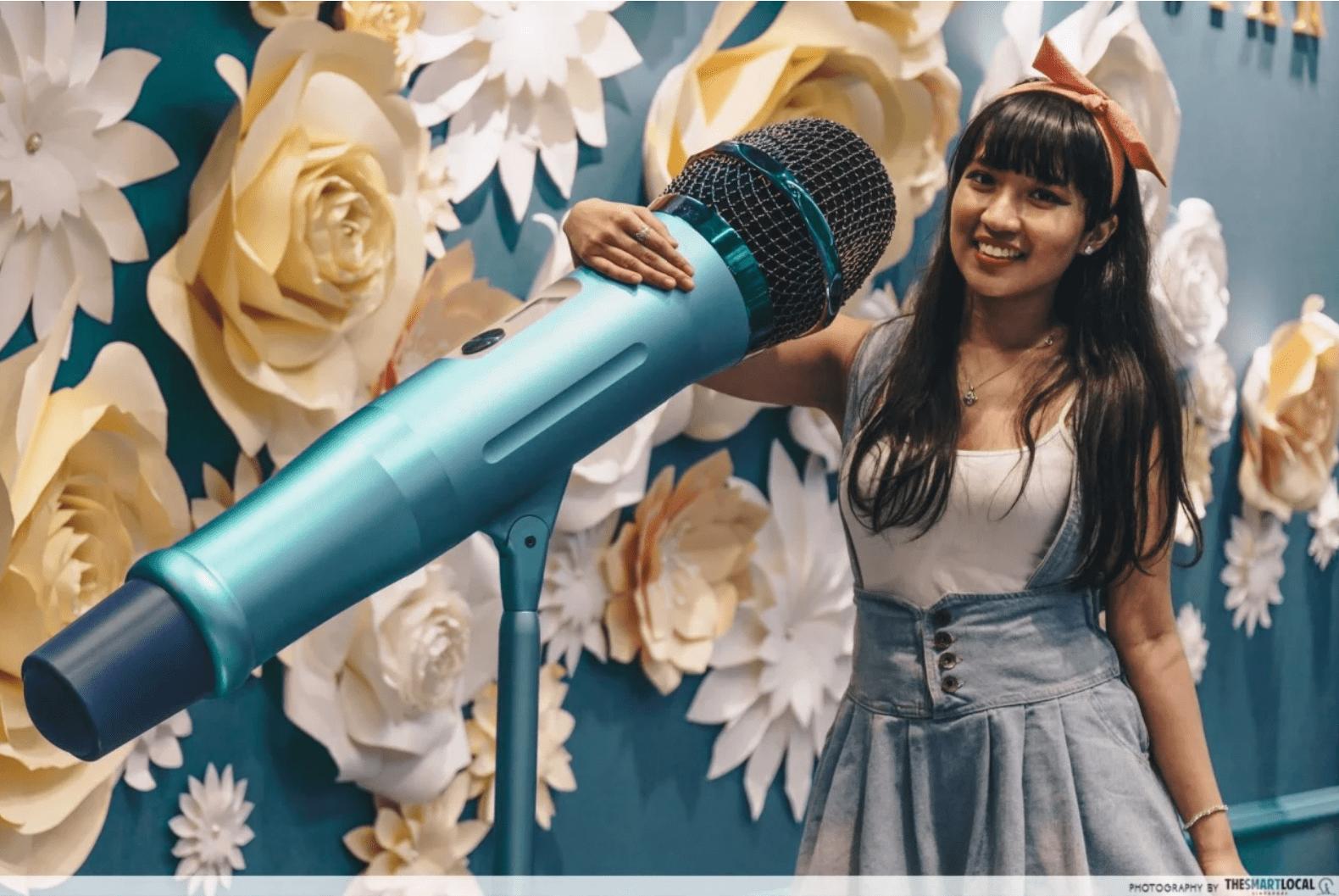 microphone - online interview tips