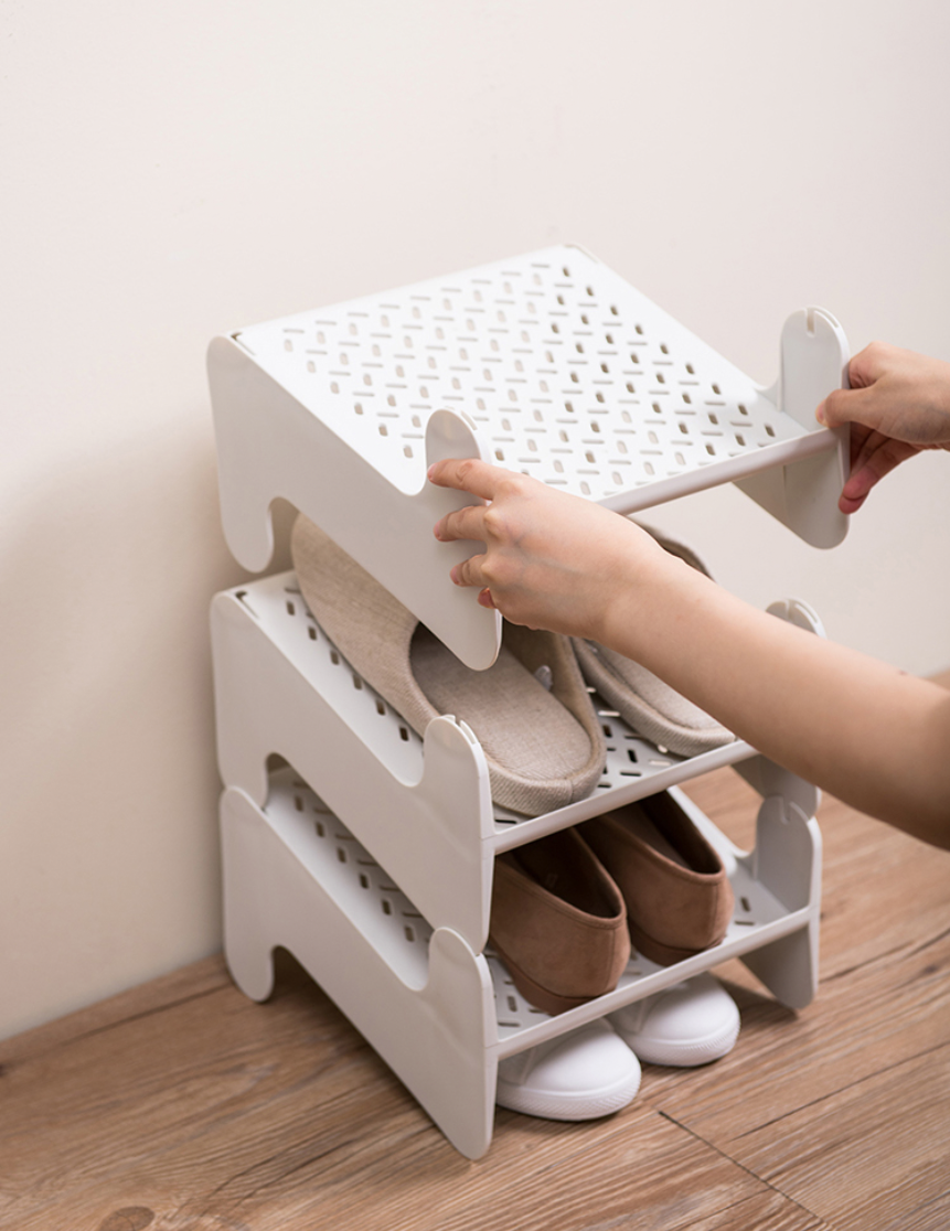 Iuiga: stackable shoe rack