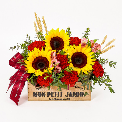 Far East Flora offers free flower delivery in Singapore with 15% off purchases of 2 or more Mother's Day blooms.