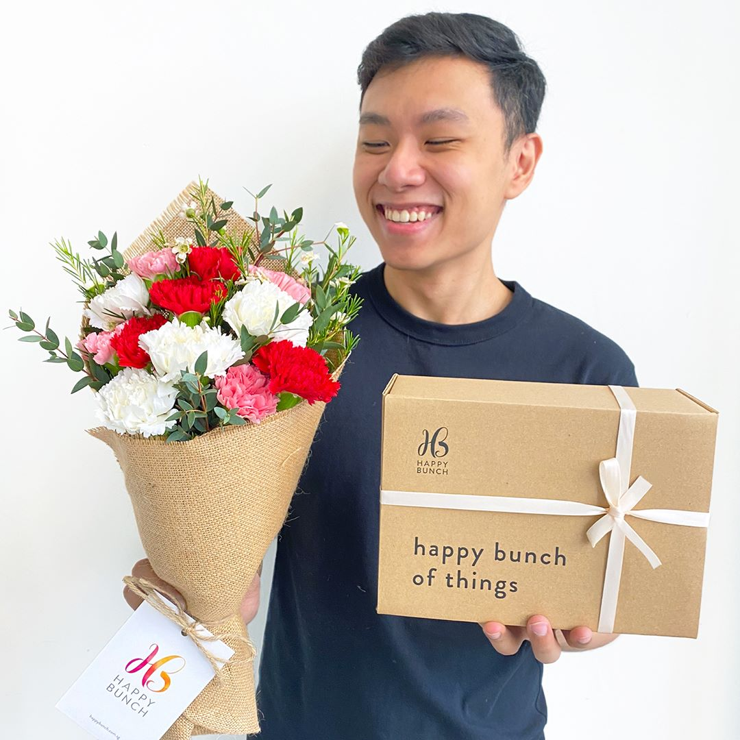 Curate a gift box for mum to go along with your bouquet of flowers delivered to her doorstep.
