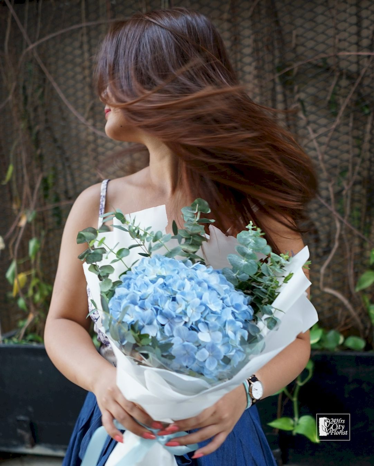 24Hrs City Florist has discounts on flower delivery in Singapore with up to $30 off.