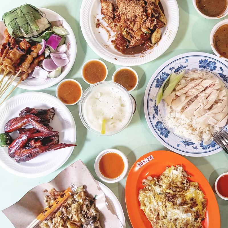 Enjoy top-notch hawker fare from Old Airport Road like satay, bbq chicken and oyster omlette.