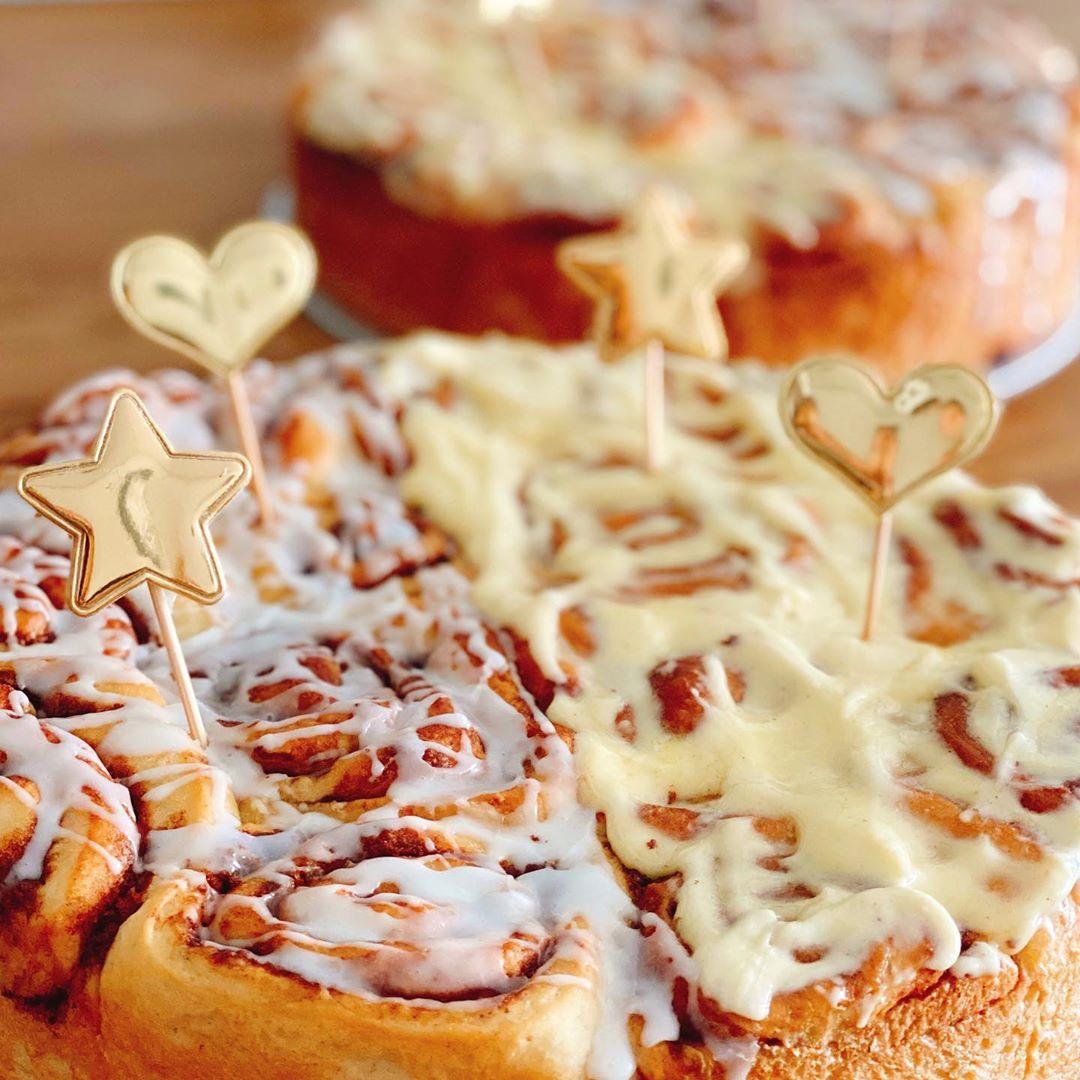 Desserts: cinnamon rolls