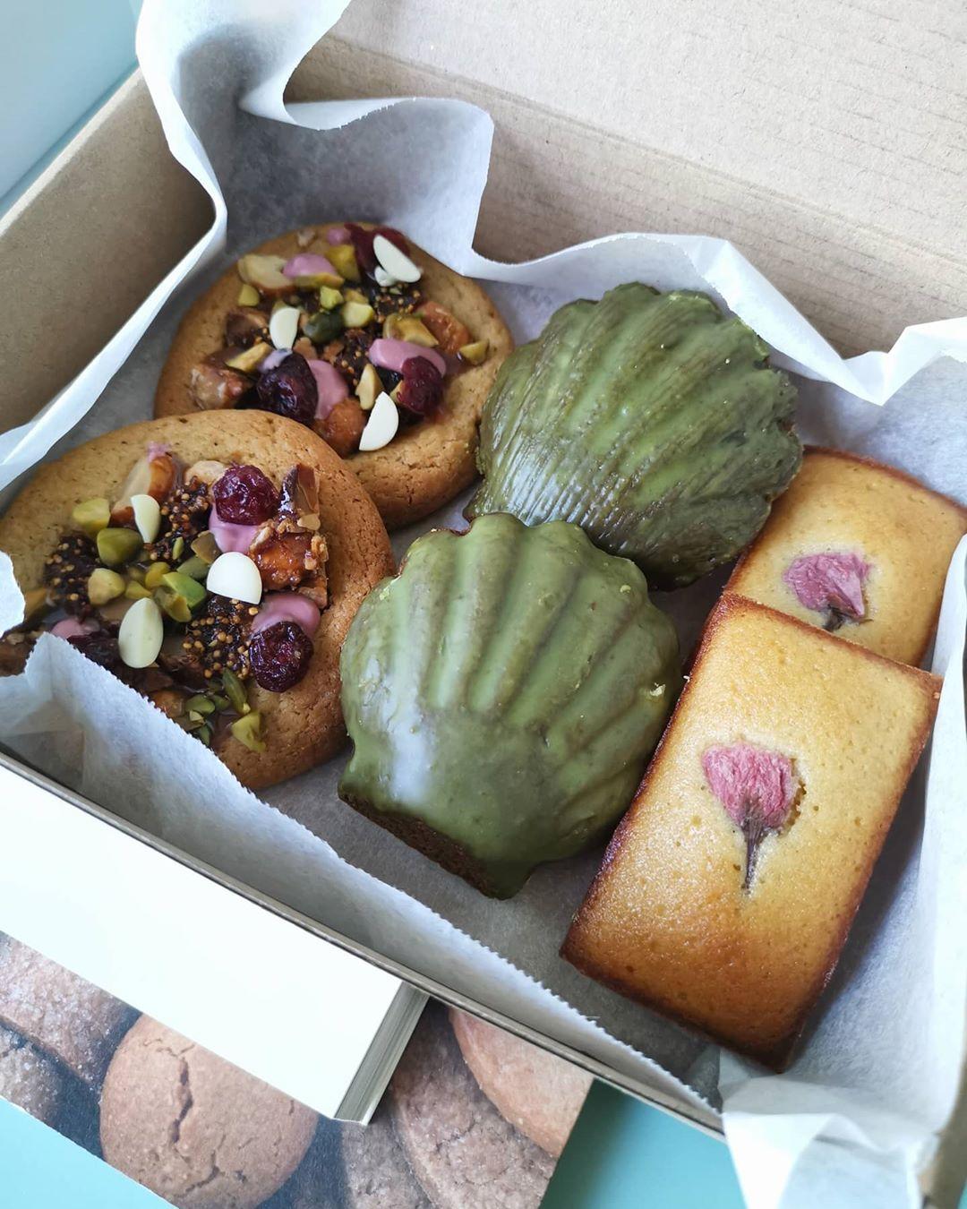Desserts: madeleines