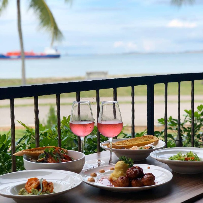 best-beaches-in-singapore - the sea grill